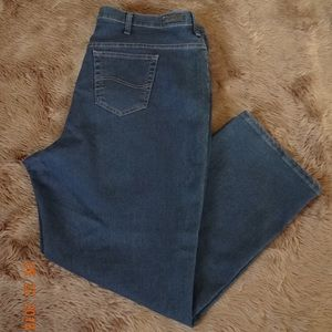 LEE RELAXED  FIT WOMEN JEANS  SIZE 24 /W MEDIUM